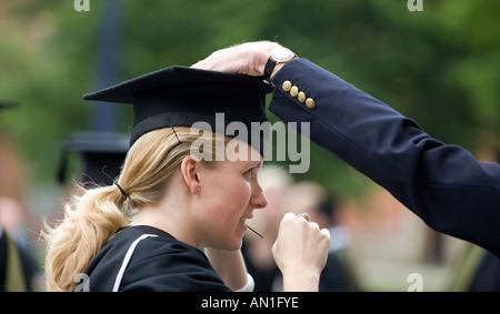 Le jour de la remise des diplômes à l'Université de Birmingham, Angleterre Les élèves de leur cérémonie traditionnelle Banque D'Images