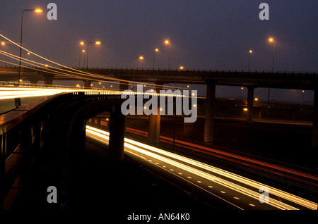L'autoroute nationale Pays-bas Hollande Amsterdam La Haye et Rotterdam neon light night Banque D'Images