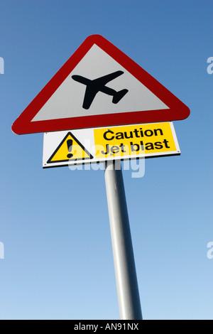 Roadsign attention souffle des réacteurs de l'avion Banque D'Images
