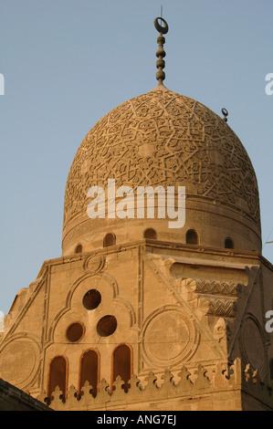 Arabesque Muqarnas sculptures du mausolée et de la mosquée du Sultan al-complexe Qaytbay Ashraf Qaitbay ou dans Banque D'Images