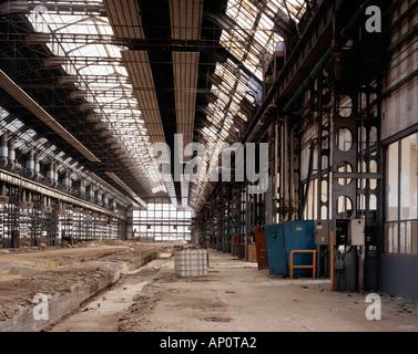 J'ai pris cette image dans une usine abandonnée de Milan avec mon appareil photo 4x5'