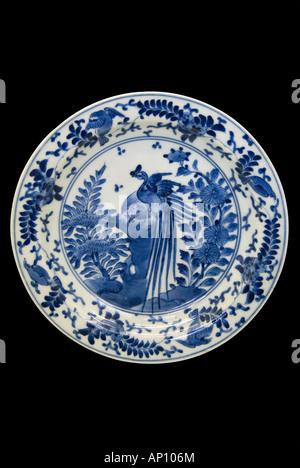 Le Japon bleu cobalt sous glaçure de la porcelaine de chine 1617 siècle période edo 151064 plaque de chemine kakiemon Banque D'Images