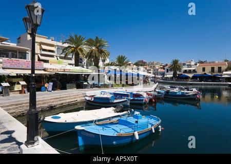 Lac Voulismeni, Aghios Nikolaos, côte nord-est, la Crète, Grèce Banque D'Images