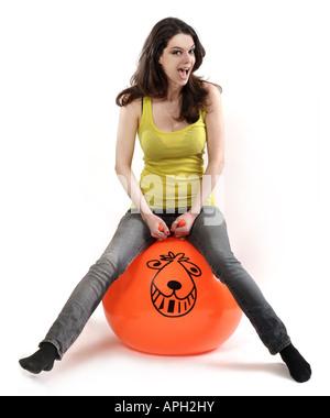 Jeune femme sur un espace hooper Banque D'Images