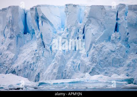 Glacier imposantes dans Paradise Harbour, l'Antarctique Banque D'Images