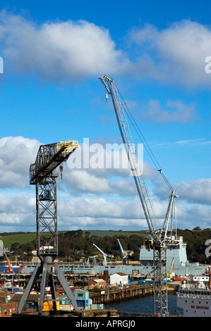 Pendennis shipyard grues à Falmouth, Cornwall, Angleterre Banque D'Images