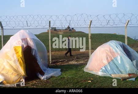 UK Angleterre Women camp out Greenham Common protester SB Banque D'Images