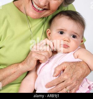 Grand-mère avec sa petite-fille