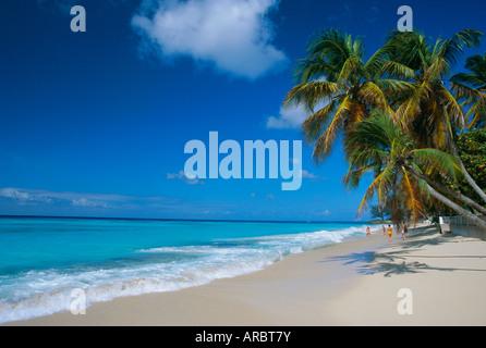 Worthing Beach sur la côte sud du sud de la paroisse de Christ Church, Barbade, Caraïbes, Antilles, Amérique Centrale Banque D'Images