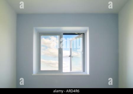 Image d'un concept d'une fenêtre ouverte Banque D'Images