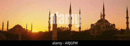 Les dômes et les minarets de la Mosquée Bleue (Sultan Ahmet mosquée), Istanbul, Turquie, Europe Banque D'Images