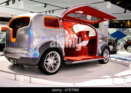 Ford Airstream concept car crossover futuriste Banque D'Images
