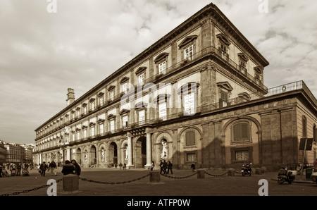 Napoli Naples Centre Historique Palazzo Reale Palais Royal Banque D'Images