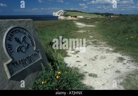 Les falaises de la Baie d'eau douce côtiers National Trust signer Ile de Wight Angleterre Banque D'Images