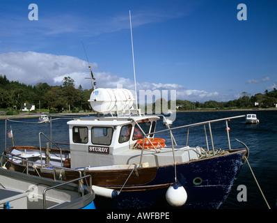 KENMARE County Kerry, RÉPUBLIQUE D'IRLANDE DE L'UNION EUROPÉENNE Septembre Bateaux dans le petit port de cette ville pittoresque populaire
