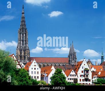 La cathédrale gothique d'Ulm (Ulmer Münster), qui, à 161, 5 m ou 530 ft possède le plus haut du monde clocher d'église, Ulm, Baden-Wuer