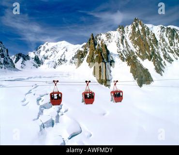 Télécabine allant de Mt. Aiguille du Midi, Point de vue de Turin Helbonner cabine, Mont Blanc, Vallée Blanche, glaciaire Banque D'Images