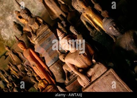 Laos Luang Prabang district Pak Ou Grotte inférieure images de Bouddha