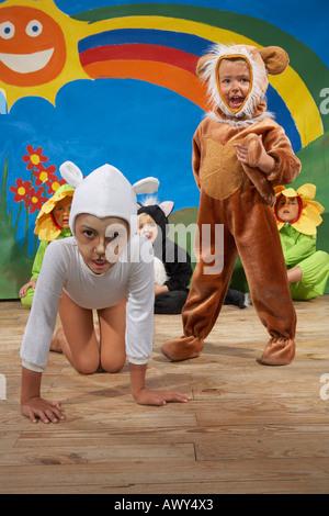Les performances des enfants Banque D'Images