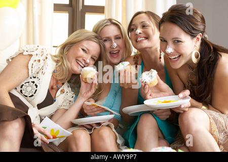 Portrait des femmes at Party