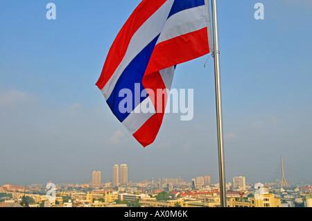 Pavillon thaï et vue panoramique de la ville vue depuis le Mont d'or à Bangkok, Thaïlande, Asie du Sud, Asie Banque D'Images