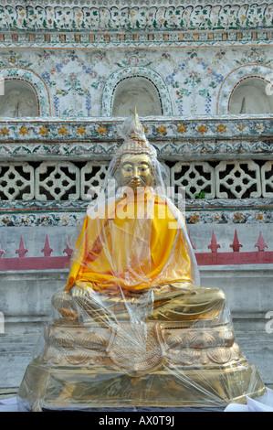 Buddha, Wat Arun (temple de l'aube), Bangkok, Thaïlande, Asie du Sud-Est Banque D'Images