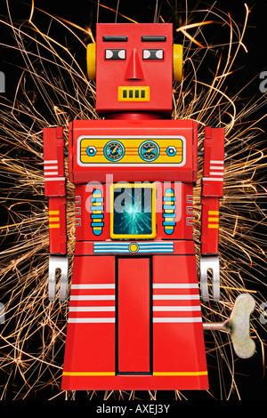 Suscitant un Robot Tin Toy Clockwork rétro des années 60 Banque D'Images