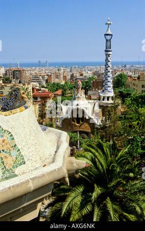À partir de la ville de Barcelone Le Parc Guell, Barcelone, Espagne Banque D'Images