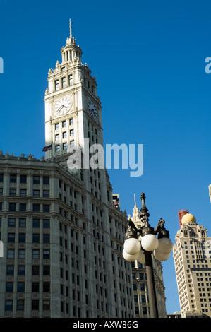 Wrigley Building sur la gauche, Chicago, Illinois, États-Unis Banque D'Images