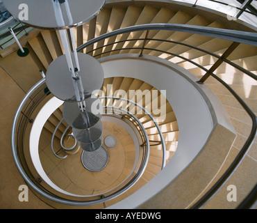 Escalier en spirale, de la warr pavilion, hastings, Angleterre Banque D'Images