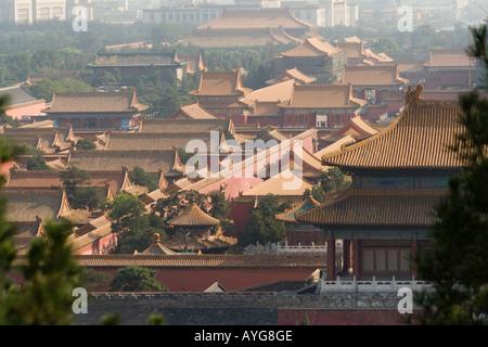 Vue aérienne de la Cité Interdite vue depuis une colline dans le parc Jingshan Beijing Chine