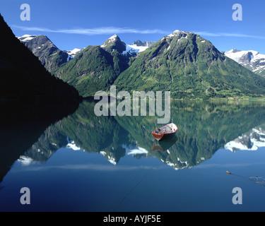 Non - Sogn og Fjordane: Lac Strynsvatn Banque D'Images
