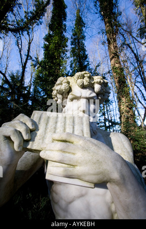 Der Griechische Gott im Park Pan dieu grec Pan Mondo Verde au plaisir de motifs Pays-bas Mondo Verde