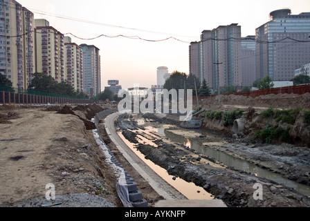 Beijing Chine, égout à ciel ouvert vidange Stream 'Construction' du site de l'eau urbain je
