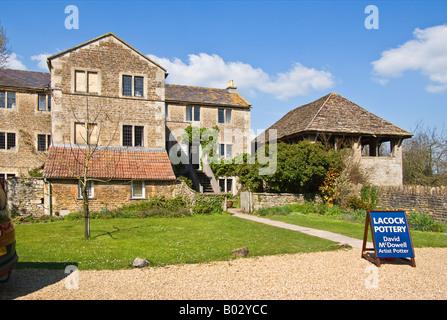 La Poterie de Lacock Lacock dans Wiltshire England UK EU vue de la voie publique Banque D'Images