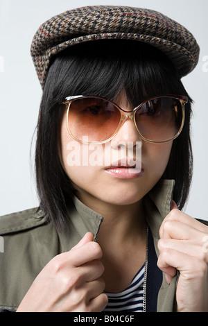 Femme portant des vêtements rétro japonais Banque D'Images