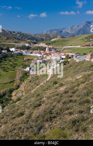 Village blanc de Atajate, Pueblos Blancos, Serrania de Ronda, Costa del Sol, Andalousie, province de Malaga (Andalousie) Banque D'Images