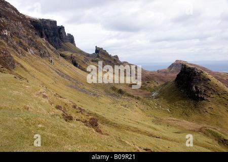 Vue sur le quiraing sur l'île de Skye Banque D'Images