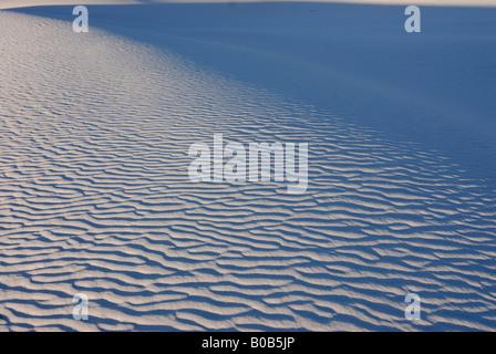 Rippled sand dunes de gypse de White Sands National Monument le Nouveau Mexique USA Banque D'Images