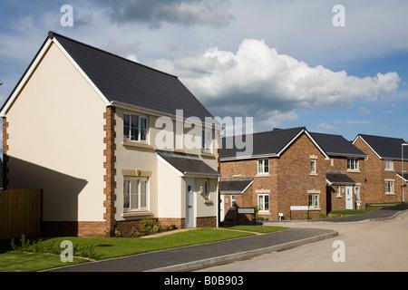 Barratt Homes nouvellement construit des maisons sur nouveau domaine rural Llanfoist Wales UK Banque D'Images