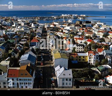 Reykjavík vue de la tour de l'Église Hallgrims, Islande Banque D'Images