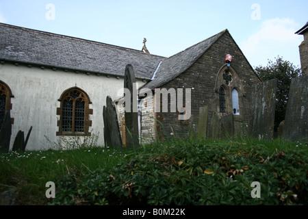 Avant de St Marie la Vierge église paroissiale, Lynton, Devon montrant la fenêtre de l'Église, Entrée et cimetière Banque D'Images