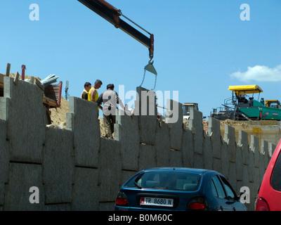 Flyover Tirana Tirana Albanie construction construction AlbaniaFlyover à faciliter le trafic de l'aéroport port de Durrës Tirana Mère Teresa