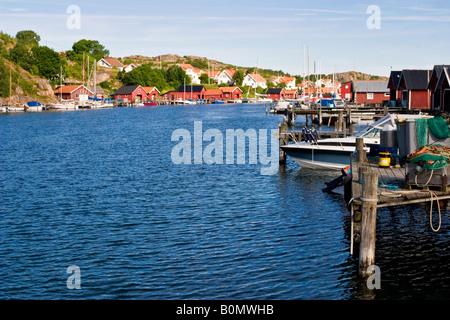 Vieux village de pêcheurs de la côte occidentale de la Suède Banque D'Images