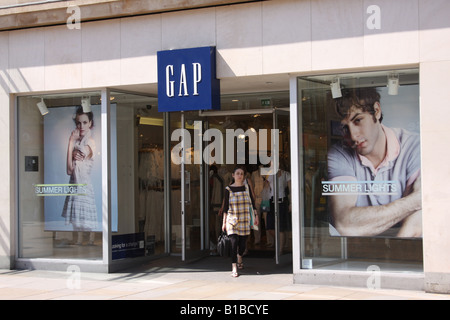 Le magasin de vêtements Gap à Oxford au Royaume-Uni. Banque D'Images