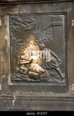 Statue de saint Jean Népomucène, le Pont Charles, Prague, République Tchèque, République
