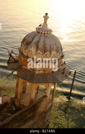 Magnifique Coucher de soleil sur le lac Pichola, Udaipur, Rajasthan, Inde