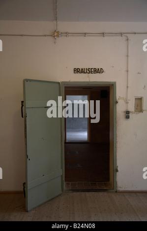 Porte de chambre à gaz, dans le camp de concentration et d ...