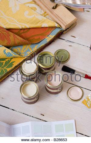 Nuancier de couleurs, les tissus et les échantillons de peinture Banque D'Images