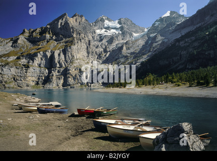 Géographie / voyages, Suisse, Berne, paysages, Plage, Lac Oeschinen Blumlisalp, Additional-Rights Clearance-Info Banque D'Images